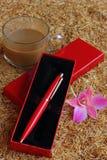 Skriva och hoade kaffe Royaltyfri Fotografi
