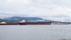 Skrivande in hamn för skepp i Vancouver, British Columbia, Kanada arkivfilmer