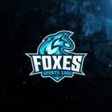 Skrivar den Head maskot för räven för e-sport logo och t-skjortan ut royaltyfria foton