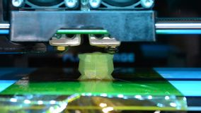 Skrivarcloseup för printing 3D arkivfilmer