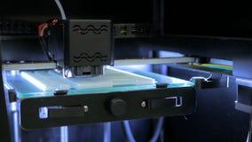 skrivare 3D under arbete Arkivfoton