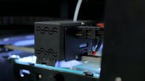 skrivare 3D under arbete Fotografering för Bildbyråer