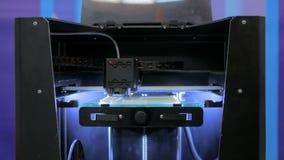skrivare 3D under arbete Arkivbild
