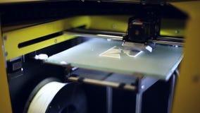 Skrivaren 3D på arbete lager videofilmer