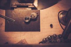 Skrivbord för hantverksmycken royaltyfria foton