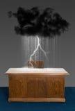 Skrivbord för kontor för affär för regnstormmoln Royaltyfri Fotografi