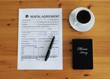 Skrivbord för uthyrnings- överenskommelse Fotografering för Bildbyråer
