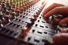 Skrivbord för blandare för studio för solid inspelning Fotografering för Bildbyråer