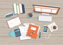 Skrivbord med bildskärmen, tangentbord, dokument, hörlurar, telefon, klocka Trä bordlägga bästa beskådar Arbetsplatsbakgrund stock illustrationer