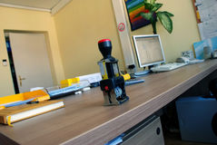 skrivbordkontorsskyddsremsa Arkivfoto