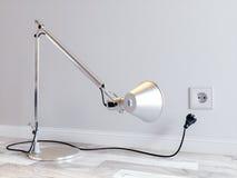 skrivbordlampstickkontakt Royaltyfri Bild