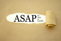 Skrivbordsarbete med ASAP så snart som möjligt royaltyfria bilder