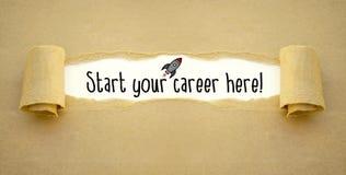 Skrivbordsarbete med raket och att starta din karriär här arkivfoton