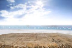 Skrivbordutrymme på strandsida och solig dag Royaltyfria Foton