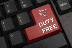 skriver in den täta datoren för black upp det fokuserade key tangentbordet Tullfritt begrepp royaltyfria bilder