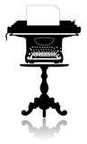 Skrivmaskin på kaffetabellen Royaltyfri Bild