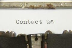 Skrivmaskinen kontaktar oss Arkivbild