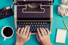 Skrivmaskiner och retro affärsbild Royaltyfri Bild