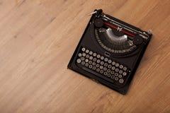 skrivmaskinstappning arkivfoto
