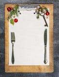 Skrivplatta med papper, kopieringsutrymme Royaltyfria Bilder