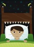 skrämmd pojke mörkt litet s Arkivfoton