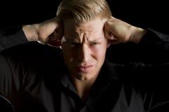 Depresja kluczowy portret przeciążający młody człowiek. zdjęcie royalty free