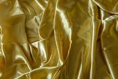 Skrynkliga eller krabba veck för abstrakt bakgrund av tygtextur Royaltyfria Foton