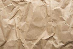 Skrynkligt brunt papper Arkivfoto