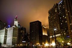 Skrzyżowanie Ameryka, Chicago, miasto ogradzający w mgle obraz royalty free