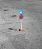 skrzyżowanie pieszy znaka Zdjęcia Royalty Free