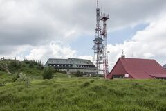 Free Skrzyczne, Poland, July 04, 2020: Peak, With A Tourist Hostel, Meteorological Station And Telephony Tower And Chair Lift Station Stock Images - 190136444
