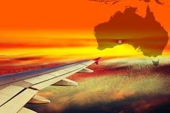 Skrzydło samolot przy zmierzchem obrazy royalty free