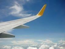 Skrzydło samolot na niebie Obrazy Stock