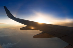 Skrzydło samolot na zmierzchu Zdjęcia Stock