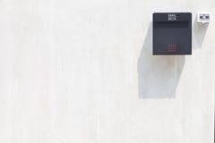 Skrzynka pocztowa na ścianie zdjęcie royalty free