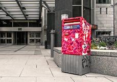 Skrzynka pocztowa przed 680 Sherbrooke ulicą zachodnią zdjęcia royalty free