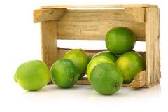 skrzynki świeżej owoc wapno drewniany Zdjęcia Stock