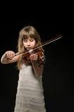 Skrzypaczka bawić się skrzypce obraz stock