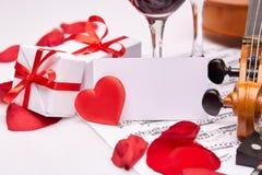 Skrzypce, notatki i czerwone wino, Fotografia Royalty Free