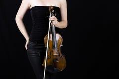 Skrzypcowy gracza mienia skrzypce, kobieta Obrazy Stock