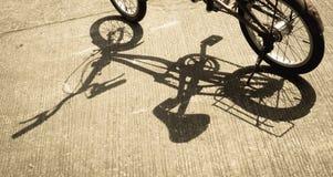 Skugga av cykeln Arkivbild