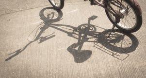Skugga av cykeln Arkivbilder
