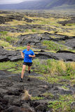 Skugga den rinnande löparen för konditionmannen ultra i natur Fotografering för Bildbyråer