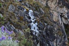 Skugga till sjön 69, i nationalpark för Huascarà ¡ n, Peru Royaltyfri Foto