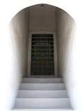 skuggad dörröppning Arkivbild