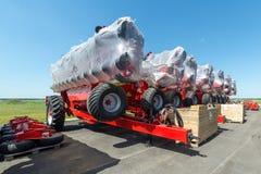 Skuggad jordbruks- utrustning Produkter av det jordbruks- maskineriet för växt för tillverkning av royaltyfria foton
