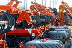 Skuggad jordbruks- utrustning Produkter av det jordbruks- maskineriet för växt för tillverkning av royaltyfria bilder
