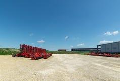 Skuggad jordbruks- utrustning Produkter av det jordbruks- maskineriet för växt för tillverkning av arkivbilder