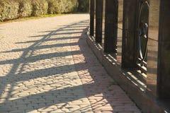 Skuggan av staketet Royaltyfria Bilder