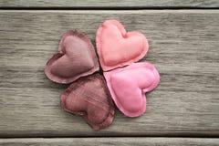 Skuggor av rosa lyckliga förälskelsevalentinhjärtor Fotografering för Bildbyråer